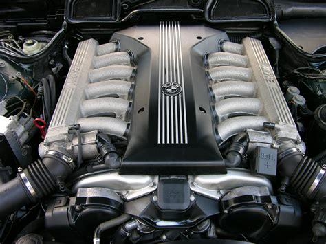 Alarm Motor V12 a rolls royce engine bay 2048 x 1152 carporn