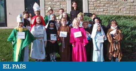 disfraz de santo de pspel halloween contra holywins la iglesia de c 225 diz y ceuta