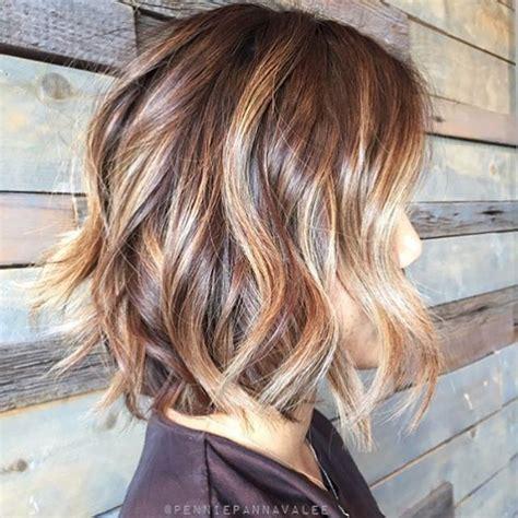 balayage for medium short hair honey blonde balayage short hair