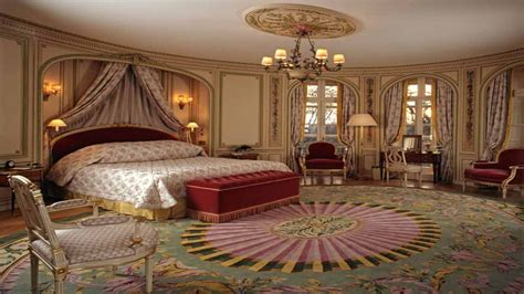 Large square ottomans, white house bedrooms royal buckingham palace bedrooms. Bedroom designs