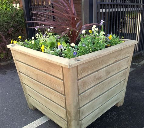 Floor Planters by 5 Reasons To Use A Floor Planter Geviews