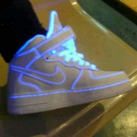 Nike Shoes That Light Up by Light Up S