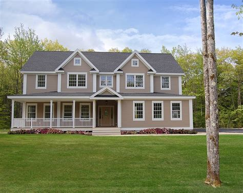colonial house with farmers porch farmer s porch yard inspirations pinterest