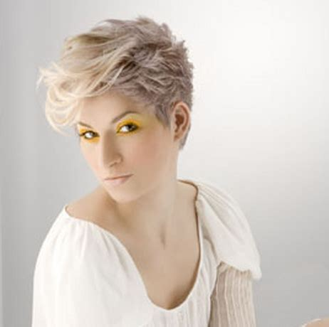trendy 2010 women hairstyle with short length and full of