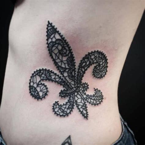 cu 225 l es el significado de los tatuajes de la flor de lis