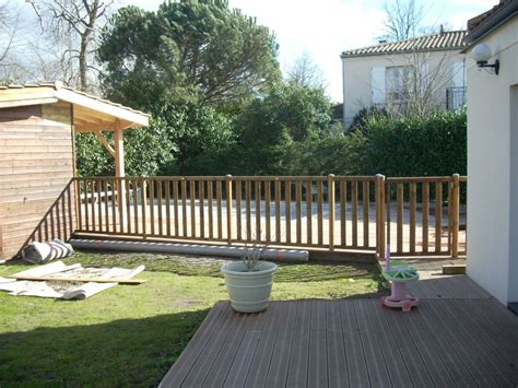 Pose De Cl 244 Tures En Bois Autour De Piscine Artisan Terrasse En Bois 1