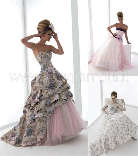 fiori per abiti da sposa abiti da sposa con decorazioni floreali