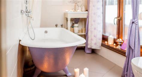 r 233 nover une baignoire ancienne