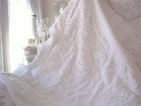 romantic homes shabby chic vintage chenille bedspread