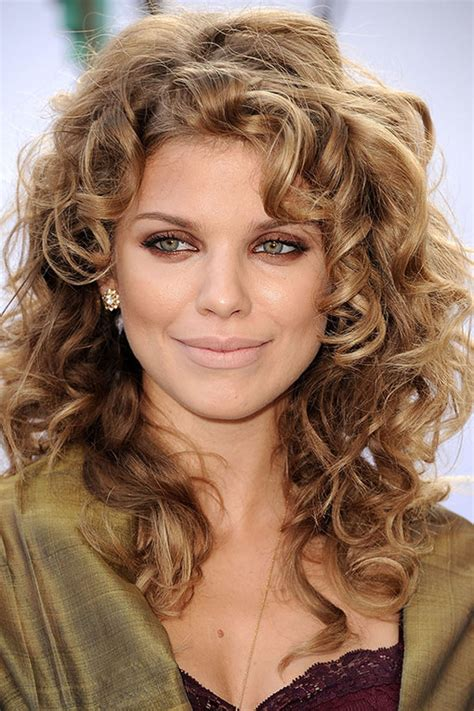 Celebrities with curly hair: A list girls with curls
