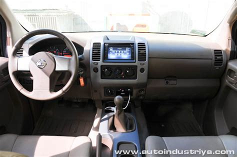 nissan navara 2013 interior 2012 nissan frontier navara 4x4 techxtreme car reviews