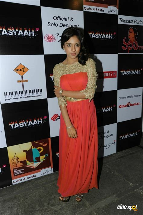 Next Launch Fashion Runway by Vithika Sheru At Tasyaah Fashion Show Logo Launch 13