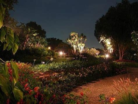 giardino illuminati giardino illuminato illuminazione giardino
