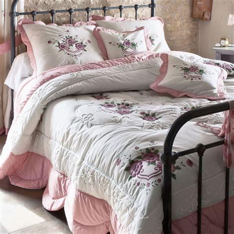 couverture lit 1 personne table de lit
