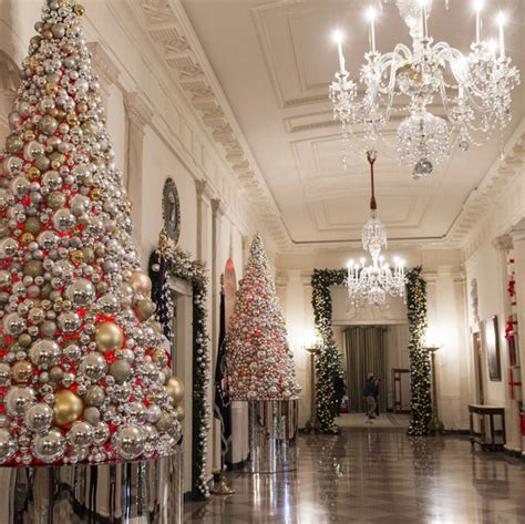 when does the white house get decorated for christmas