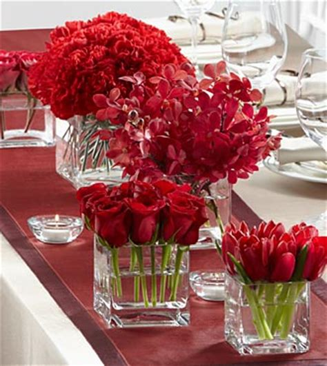 ftd centerpieces the ftd 174 modern grace centerpiece