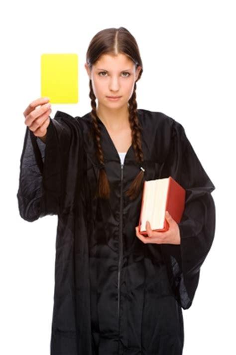 wann abmahnung gerechtfertigt lehre aus emmely abmahnungen in der personalakte lassen