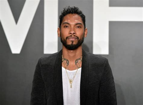 what type of hairstyle does miguel have spotted miguel in moschino at tom ford show pause