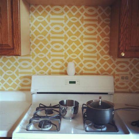 küchen tapeten moderne kommoden aus holz