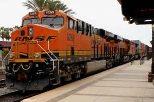 file freight train bnsf 8269 14990824696 jpg
