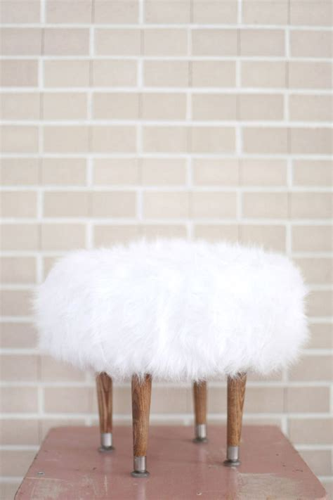 Make Your Own Faux Fur Footstool A Beautiful Mess Fuzzy White Ottoman