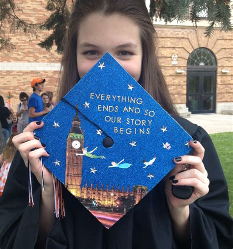 how to decorate graduation cap 15 funny graduation cap owners who will go far in life