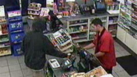 trayvon martin 7 11 trayvon martin seen in 7 11 surveillance video prior to