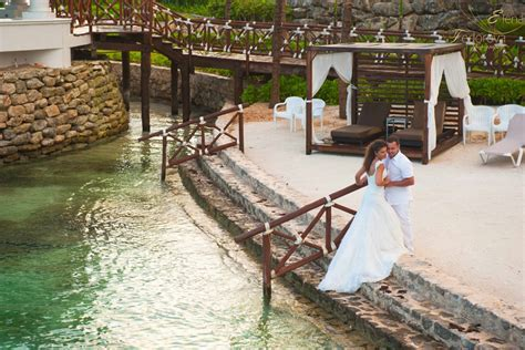 Wedding photographer Riviera Maya Mexico.