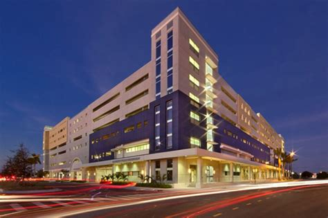 Fiu Mba Specializations by Florida International Parking Garage Five