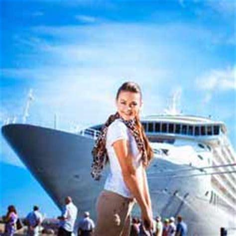 cruise ship employee pay, travel discounts, tips