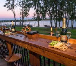 bar extends length of deck with pull out seating river
