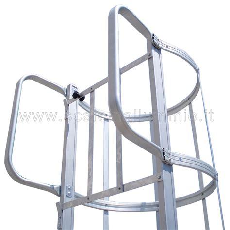 scala con gabbia scale con gabbia di protezione