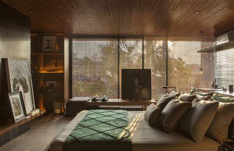 Sichtschutz Fenster Innen Holz by Holzgitter Als Sichtschutz F 252 R Innen In Einem Luxushaus