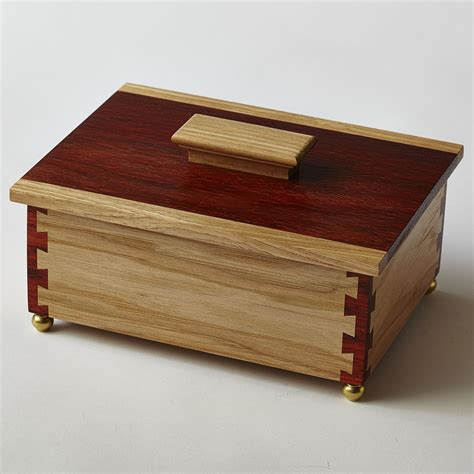 hickory  padauk keepsake box  cornerpost dovetail