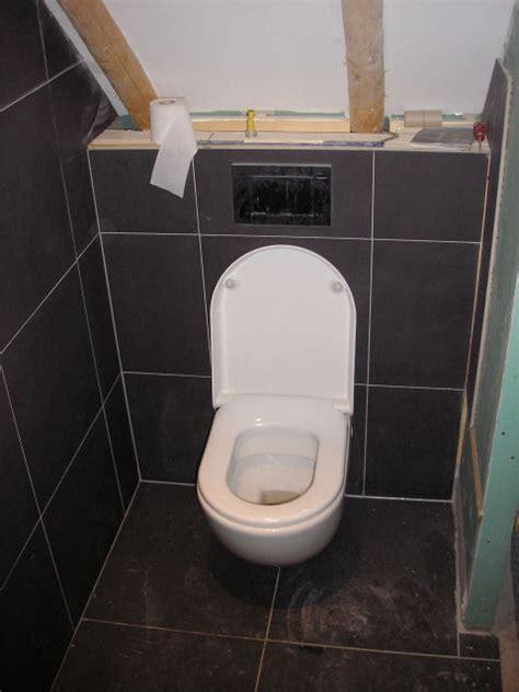 plafond badkamer betegelen awesome toilet betegelen tot plafond with toilet betegelen