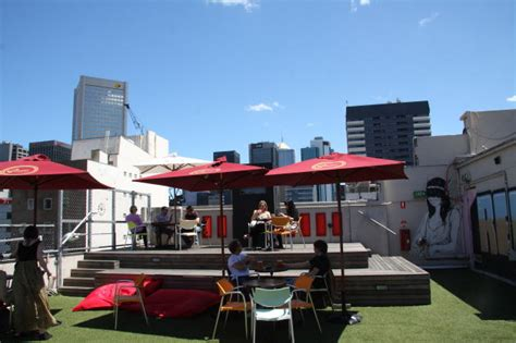 curtain house swanston street ルーフトップカフェ rooftop cinema メルボルン