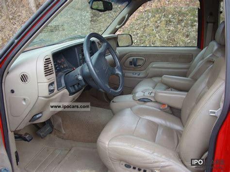 chevrolet silverado  car photo  specs