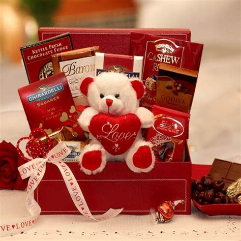 what is a valentines day gift for my be my chocolate valentines gift set valentines day