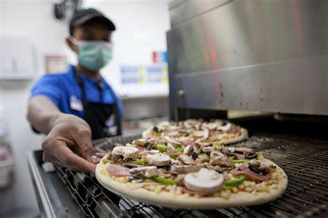 domino pizza lowongan kerja daftar pekerjaan domino s pizza indonesia