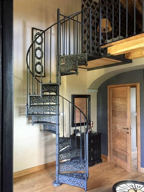 corrimano per scale a chiocciola oltre 25 fantastiche idee su scale a chiocciola su