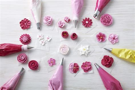 buttercream piping 101 decorating tips designs how to make buttercream flowers