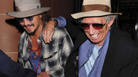 keith richards biography johnny depp photos johnny depp et keith richards prennent une cuite