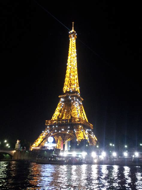 light show at the eiffel tower aimeeinfrance