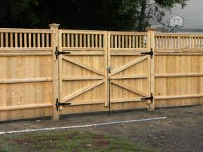 privacy fence driveway gate fence company in ma builds a