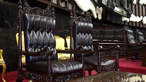 Kursi Dpr Ri ternyata seperti ini penakan kursi khusus raja arab di dpr ri halaman 2 tribunnews
