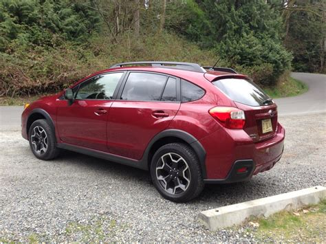 red subaru crosstrek 2014 subaru crosstrek red 200 interior and exterior