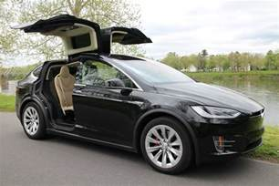 Gm Tesla Tesla Model X Door Software To Be Updated Musk Says