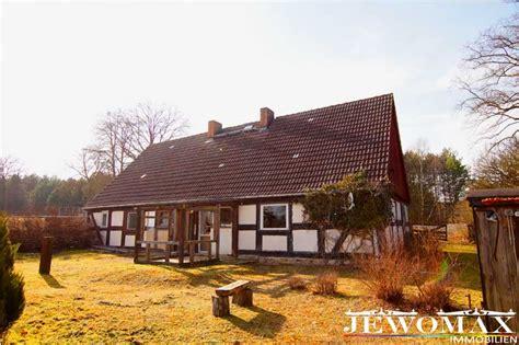 gro es grundst ck mit haus kaufen jewomax immobilien einfamilienhaus in 17237 d 252 sterf 246 rde