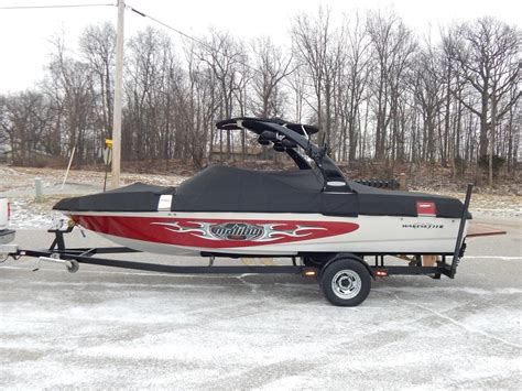malibu boat illusion tower 2005 malibu wakesetter vlx illusion tower indmar v8