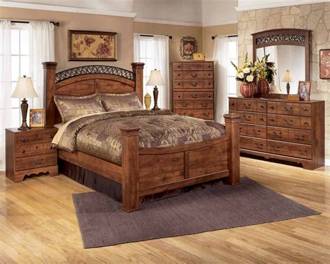 Queen Poster Bedroom Sets | triomphe poster bedroom set standard furniture queen